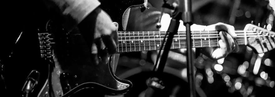 guitar lessons for beginners colchester essex guitar tuition beginner tutor teacher